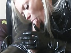Amateur, Latex